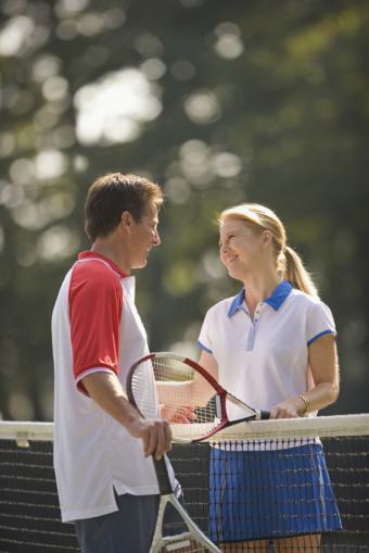 https://cf.ltkcdn.net/dating/images/slide/134753-566x848r1-Tennis-Couple.jpg