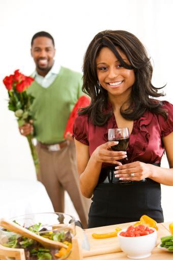https://cf.ltkcdn.net/dating/images/slide/137194-566x848r1-Surprise-meal.jpg