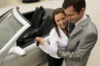 https://cf.ltkcdn.net/dating/images/slide/137200-850x563r1-New-car.jpg