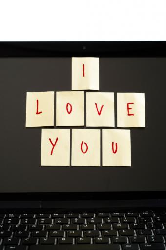 https://cf.ltkcdn.net/dating/images/slide/138784-565x850r1-Sticky-love-notes.jpg