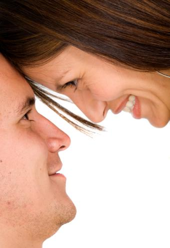 https://cf.ltkcdn.net/dating/images/slide/167926-575x835-gazing.jpg