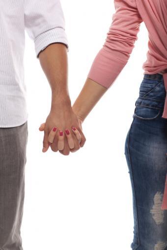 https://cf.ltkcdn.net/dating/images/slide/167928-566x848-trust.jpg