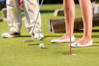 https://cf.ltkcdn.net/dating/images/slide/184106-849x565-miniature-golf.jpg