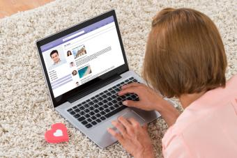 8 Invaluable Dating Site Success Tips