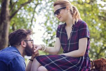 7 Hints a Cool Boyfriend Will Be a Dud Husband