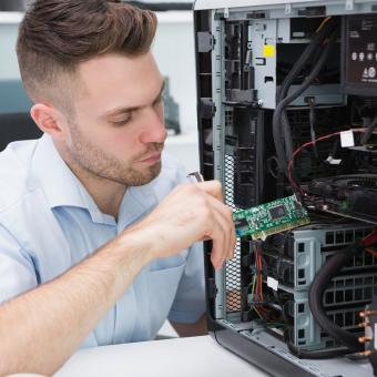 https://cf.ltkcdn.net/dating/images/slide/202081-850x850-Guy-with-computer-parts.jpg