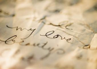 40 Charming Romantic Phrases