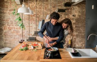 12 Quick Romantic Ideas for Couples