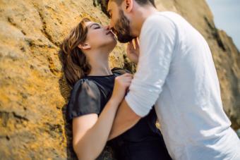 https://cf.ltkcdn.net/dating/images/slide/238306-850x567-passionate-kiss.jpg