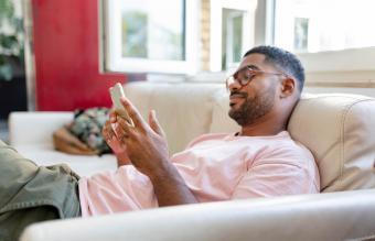 17 Ways to Keep a Text Conversation Going
