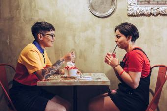 21 Foolproof Things to Talk About on a First Date
