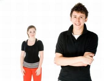 6 Clues Your Ex-Boyfriend Still Likes You