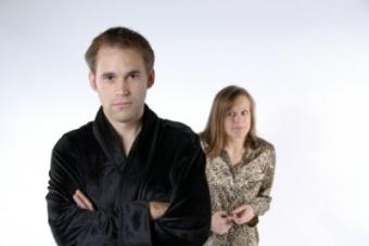 9 Scary Signs of a Controlling Relationship