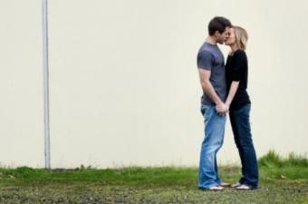 Learn How to Kiss Step-by-Step Photo Gallery