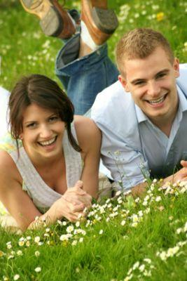 12 Ideas for Romantic Things to Do Outdoors