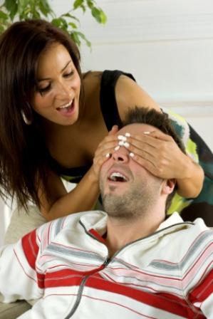 Girlfriend surprises her boyfriend.