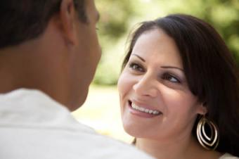 How to Tell If She's Sending Flirting Signals