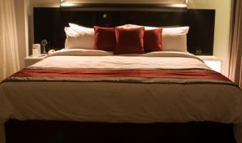 https://cf.ltkcdn.net/dating/images/slide/86607-850x505-hotel_romance.jpg
