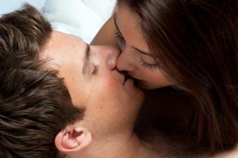 https://cf.ltkcdn.net/dating/images/slide/86640-850x565-Kissing.jpg