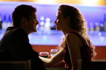 https://cf.ltkcdn.net/dating/images/slide/86643-849x565-romantic-night-out.jpg