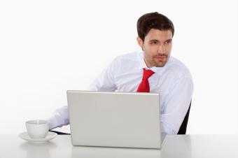 https://cf.ltkcdn.net/dating/images/slide/86651-849x565-dress-shirt-and-tie.jpg