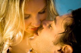 https://cf.ltkcdn.net/dating/images/slide/86762-849x565-Passionate_Ways_to_Kiss_7.jpg