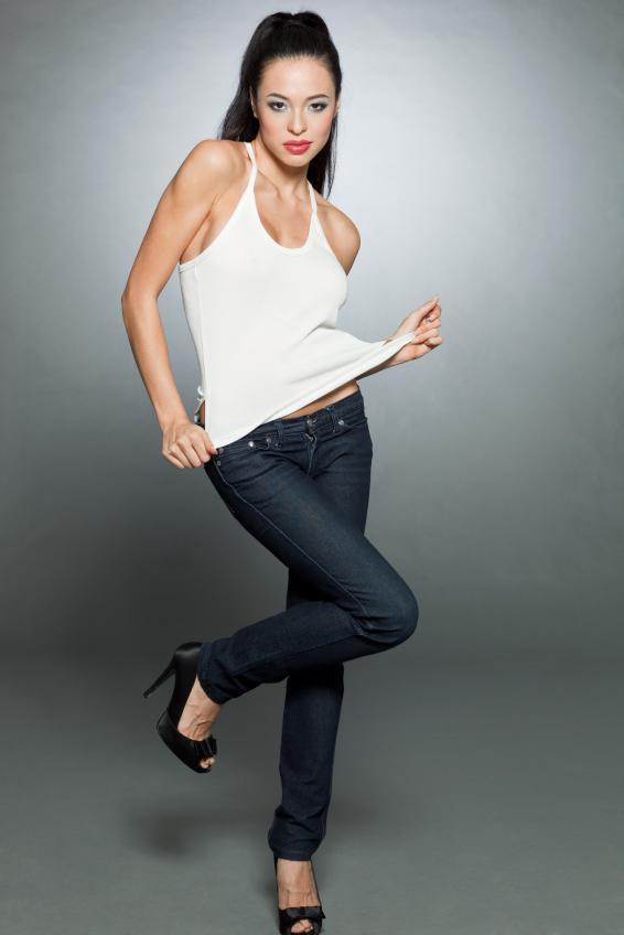 https://cf.ltkcdn.net/diet/images/slide/113015-566x848r1-Skinny-Jeans.jpg
