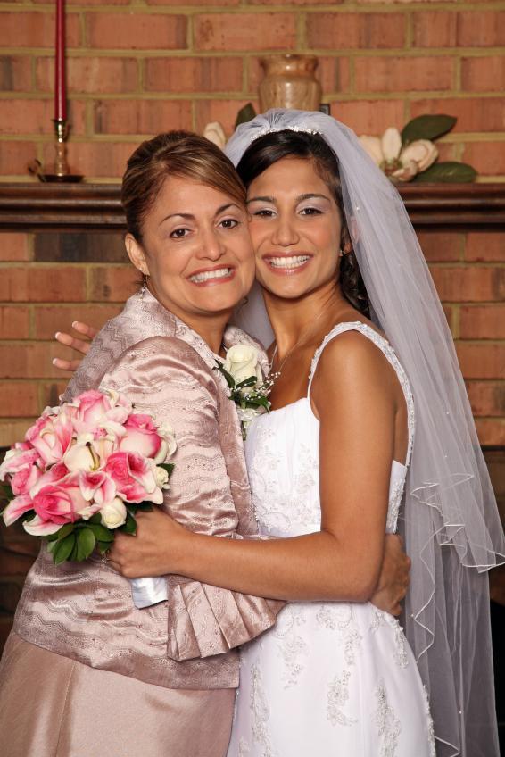 https://cf.ltkcdn.net/diet/images/slide/113016-566x848r1-Lose-Weight-for-a-Wedding.jpg