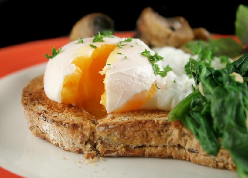 https://cf.ltkcdn.net/diet/images/slide/86236-817x588-Poached-Egg.JPG