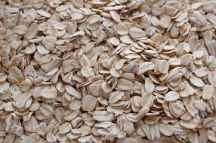 https://cf.ltkcdn.net/diet/images/slide/86363-425x282-rolled_oats.jpg