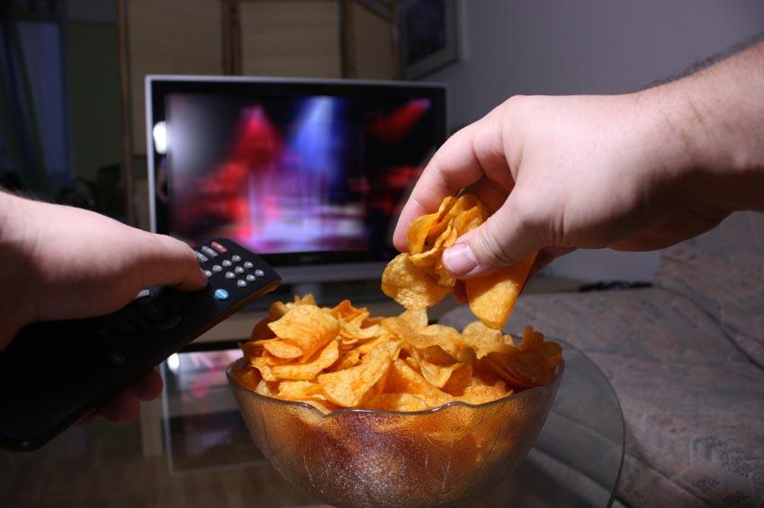 https://cf.ltkcdn.net/diet/images/slide/86393-849x565-8-distracted-eating.jpg