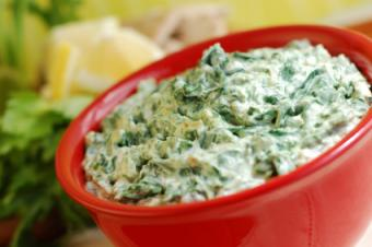 Low-Fat Spinach Dip with Red Bowl