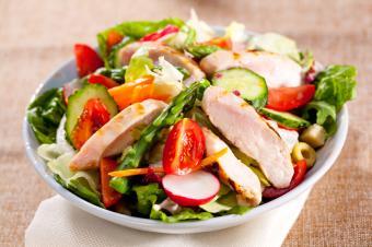 https://cf.ltkcdn.net/diet/images/slide/146671-849x565-Chicken-Salad.jpg