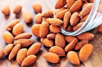 Nutritional Value of Almond Milk