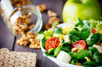 green salad and crackers