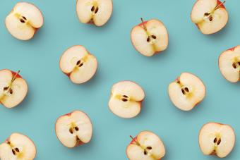 Many apple halves