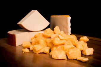 https://cf.ltkcdn.net/diet/images/slide/86279-850x563-Cheese.jpg