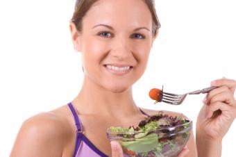 https://cf.ltkcdn.net/diet/images/slide/86307-849x565-Eating-Vegetables.JPG