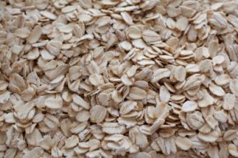 https://cf.ltkcdn.net/diet/images/slide/86363-425x282-rolled_oats.jpg