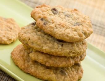 https://cf.ltkcdn.net/diet/images/slide/86366-392x306-oatmeal_cookie.jpg