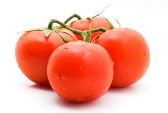 https://cf.ltkcdn.net/diet/images/slide/86369-847x567-3-tomatoes.jpg