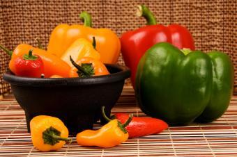 https://cf.ltkcdn.net/diet/images/slide/86371-849x565-5-peppers.jpg