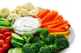 https://cf.ltkcdn.net/diet/images/slide/86381-850x563-veggie-tray.jpg