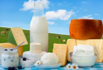 https://cf.ltkcdn.net/diet/images/slide/86415-840x571-Low_fat_dairy.jpg