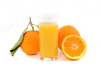 https://cf.ltkcdn.net/diet/images/slide/86418-850x563-Orange_juice.jpg