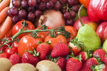 https://cf.ltkcdn.net/diet/images/slide/86421-800x533-Fruit_and_veg.jpg