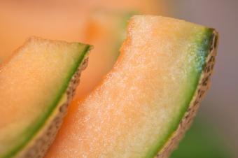 https://cf.ltkcdn.net/diet/images/slide/86460-849x565-Sliced_Cantaloupe.jpg
