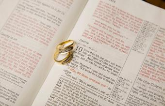 What Key Bible Verses Say About Divorce