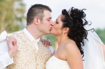 https://cf.ltkcdn.net/divorce/images/slide/90135-850x563-MaritalProperty.jpg