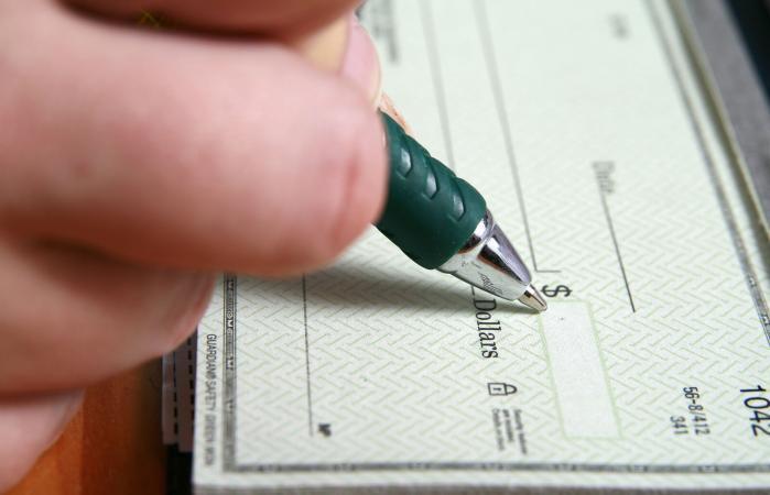writing alimony check